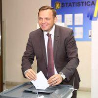 (VIDEO) Andrei Năstase a votat pentru...