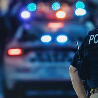 Atac armat la un liceu din Tennessee,...